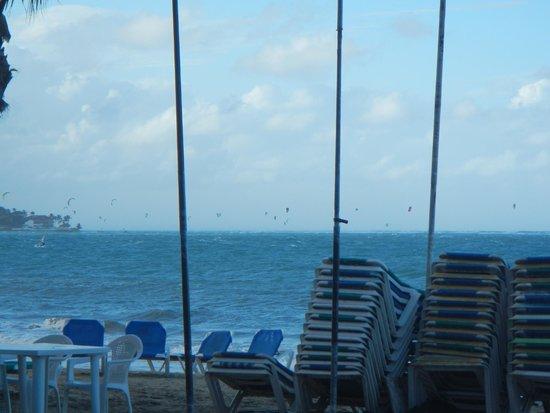 Kahuna's Restaurant and Bar: On the Beach, Cabarete!