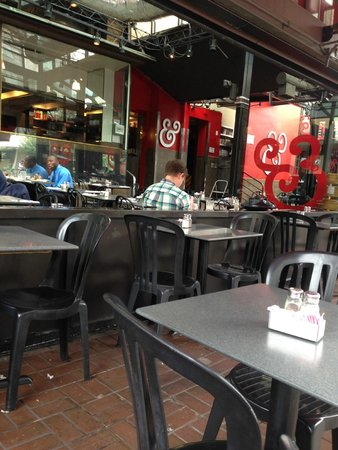 Kramerbooks & Afterwords Cafe: The outdoor seating area at Afterword cafe