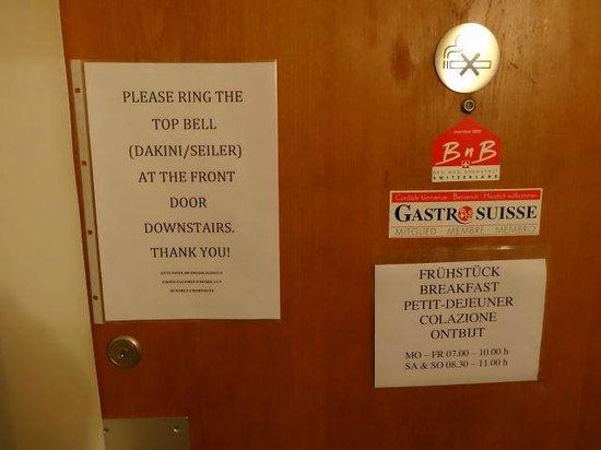 Dakini's Bed & Breakfast : オーナーさんの部屋の入口