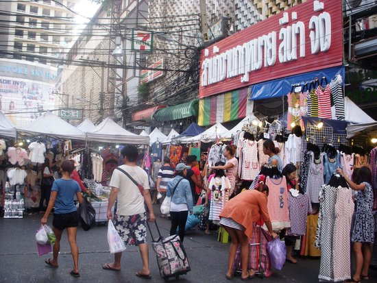 Indra Regent Hotel: Pratunam Market