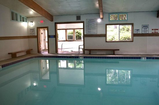 Whalers Rest RV & Camping Resort : Indoor Pool