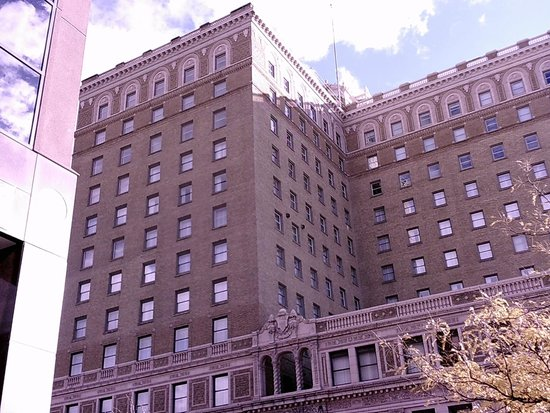 Ben Lomond Suites Historic Hotel, an Ascend Collection Hotel: from the street