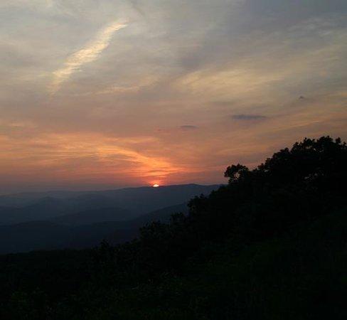 Queen Wilhelmina State Park: Sunset at a vista Talimena Scenic Drive