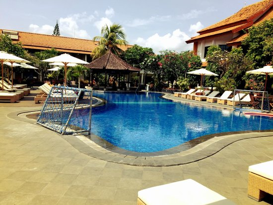 Kuta Beach Club Hotel: pool