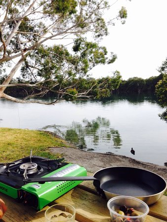 Jervis Bay Holiday Park : Waterfront and brekkie