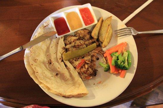 Alhamra: Chicken Meshwie