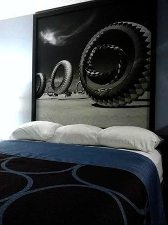 Super 8 Albany: The Amazing Bed and Mural