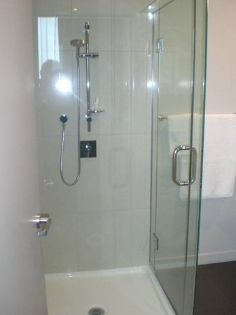 Quest Highbrook: 601 Shower with good water pressure
