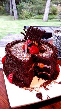 Zinzi: Best chocolate cake ever!