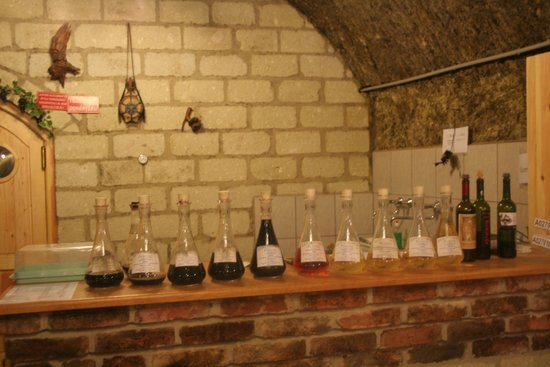 Valley of the Beautiful Women : Wine Tasting