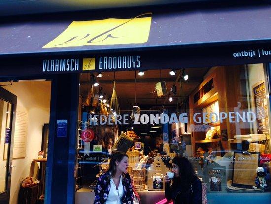 Vlaamsch Broodhuys: BOULANGERIE À ÉVITER !