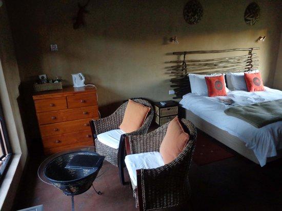 AmaZulu Lodge: AmaZulu Guest room