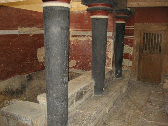 Museum of Cretan Ethnology: palazzo di Knosos