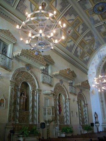 Igreja Nossa Senhora Das Dores : Lindo interior da Igreja.