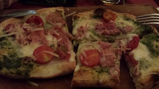 Santa Monica Pub: Pizzotto
