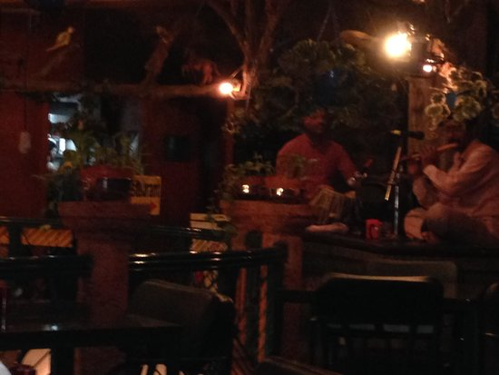 Parklane Hotel: Resturant area, with live south indian music