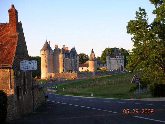 Château de Montpoupon : Surprising Gem in the Loire Valley