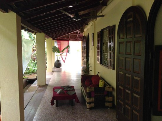 Red Cab Inn: Территория