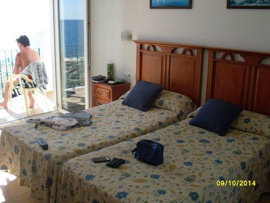 Apartamentos Plazamar: sea view room