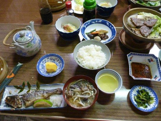 Minshuku Kunimigaoka: 晩ご飯1