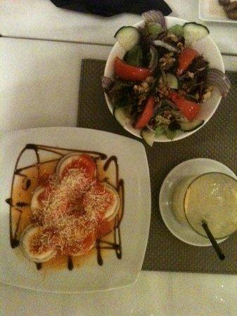 Café Scholl: Hausgemachte Ravioli mit Salat