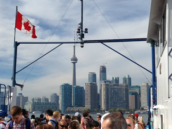 Toronto Islands Ferries: On the ferry - view on Toronto