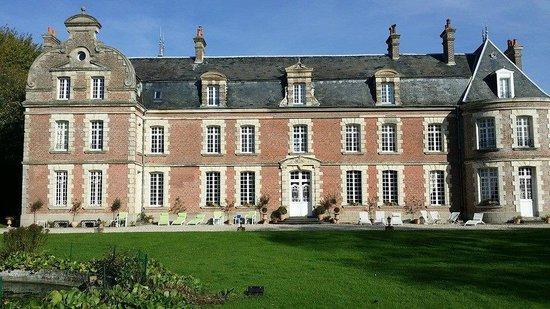 Chateau de Behen : le château, face avant
