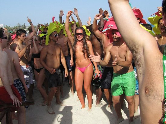 Nissi Beach Resort: One of the beach partys on Nissi beach, great fun.