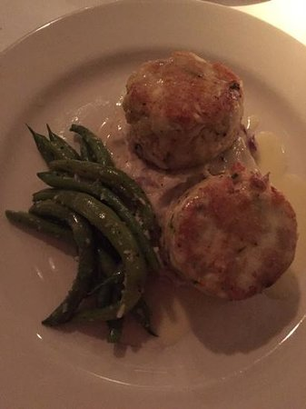Cafe Thirty A: crab cakes