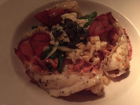 Cafe Thirty A: lobster paradise