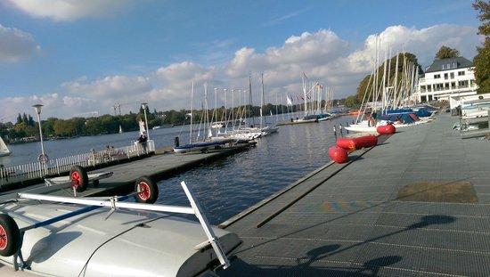 Novotel Hamburg City Alster: Le ponton Est du Lac.