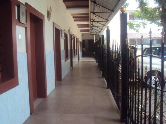 Taj Mahal Hotel, Abids: Hotel Room and Lobby