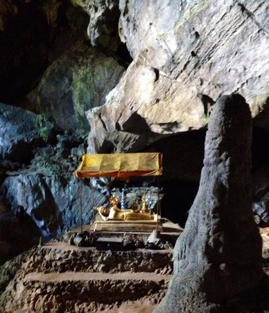 Tham Phu Kham Cave and Blue Lagoon: The Buddha in a cave