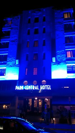 The Park Central: Hotel Lit At Night