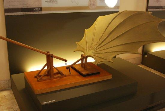 Museo della Scienza e della Tecnologia Leonardo da Vinci: Gaeria Leonardo da Vinci.