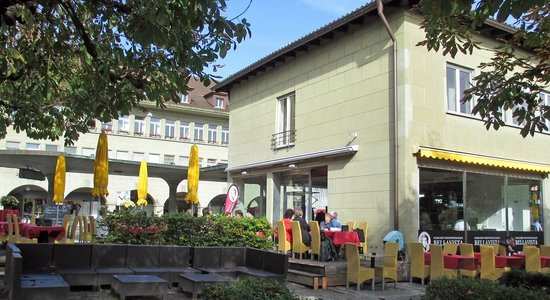 Schuler Weinwirtschaft Bellavista: outdoors seating at the Bellavista