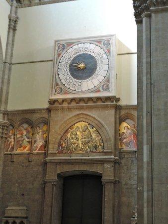 Duomo - Cattedrale di Santa Maria del Fiore: Duomo Cathedral - huge interior clock