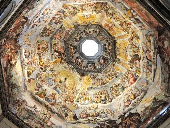 Duomo - Cattedrale di Santa Maria del Fiore: Duomo Cathedral - Vasari frescoe on the ceiling