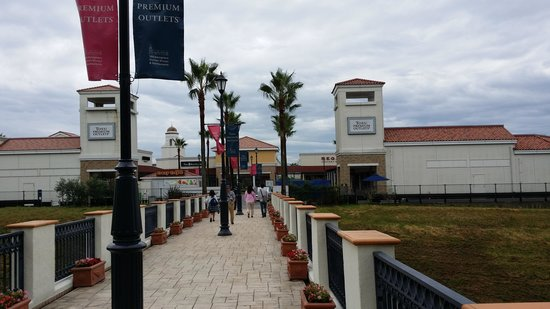 Tosu Premium Outlets : the outlet