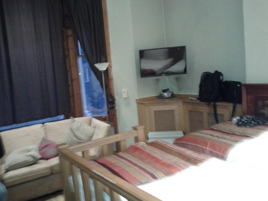 Mayflower Hotel & Apartments : Bedroom