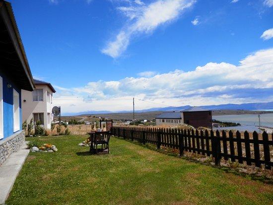 Casa Azul - Familia Patagonica : vista al lago
