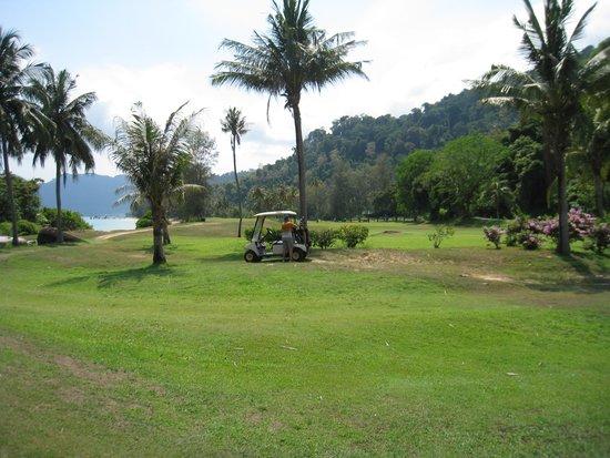 Tioman Island Golf Club: Golf car unfortunately necessary