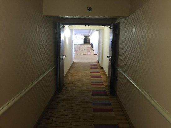 Atrium Hotel Dfw South