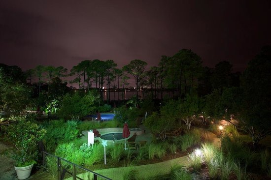 Embarc Sandestin : Night view out to Choctawatchee Bay