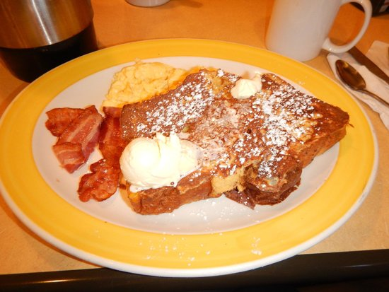 Perkins Restaurant & Bakery: Bacon e french toast