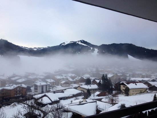 Ski Les Gets : Apartment view