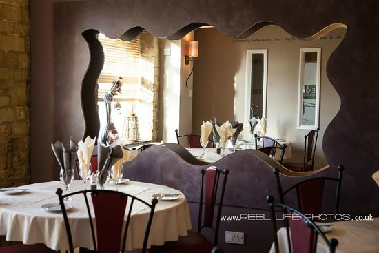 Prego Italian Cafe Bar & Restaurant: Inside Prego Italian Waterfront Restaurant in Brighouse