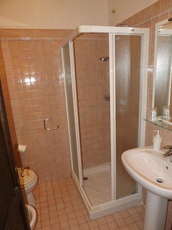 B & B Cimatori: Blue Room, seperate bathroom