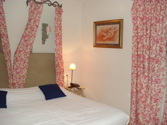 Hotel Des Pins: Chambre
