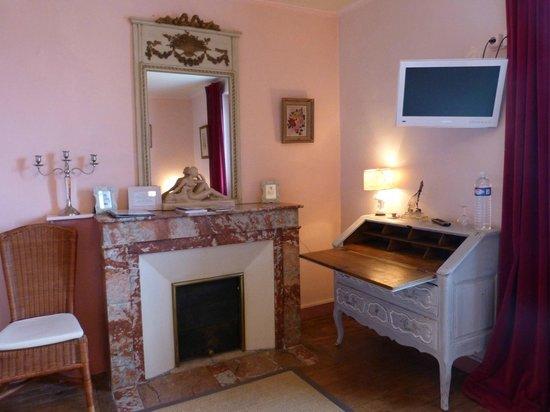 Les Tuileries de Chanteloup: Chambre Rose bonbon